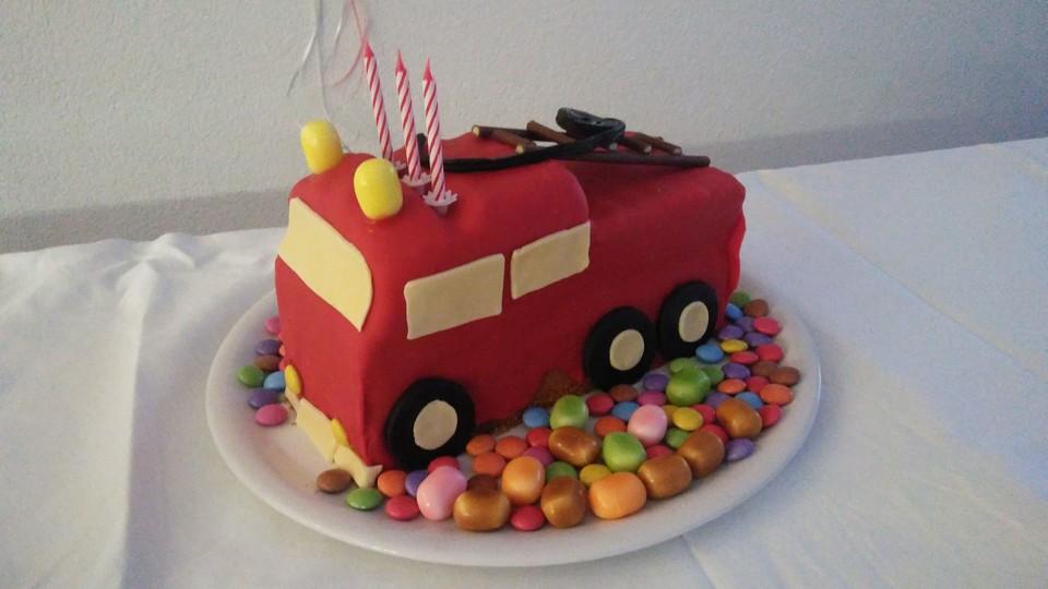 Feuerwehrauto Motivkuchen Von Kerstinjurgen Chefkoch De