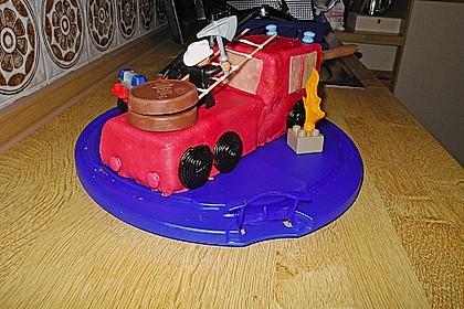 Feuerwehrauto Motivkuchen 11