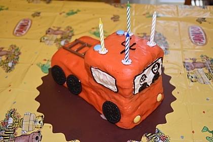 Feuerwehrauto Motivkuchen 16