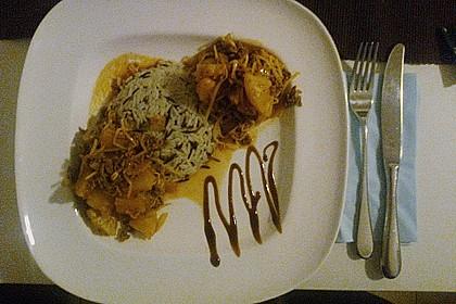 Rinderhack  mit Ananas und Mungobohnensprossen mit Basmatireis (Bild)