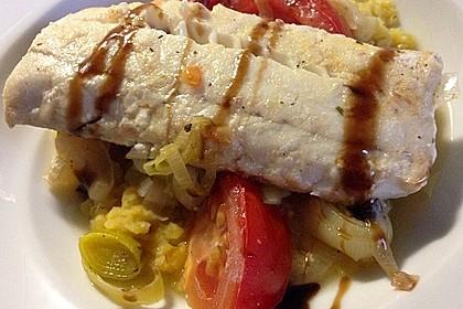 Fisch mit Lauch und Tomaten auf Linsenbett 10