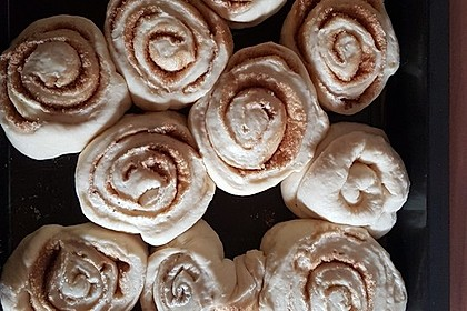 Cinnamon Rolls with Cream Cheese Frosting 152