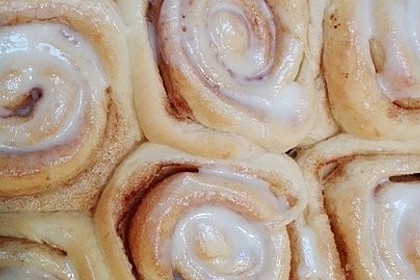 Cinnamon Rolls with Cream Cheese Frosting 186
