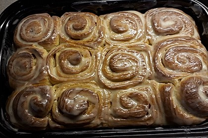 Cinnamon Rolls with Cream Cheese Frosting 40