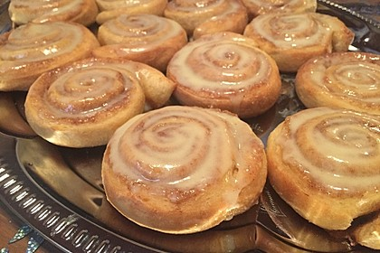 Cinnamon Rolls with Cream Cheese Frosting 75