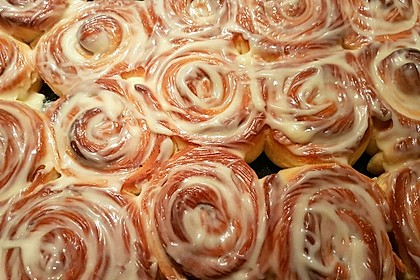 Cinnamon Rolls with Cream Cheese Frosting 85