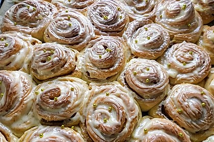 Cinnamon Rolls with Cream Cheese Frosting 10