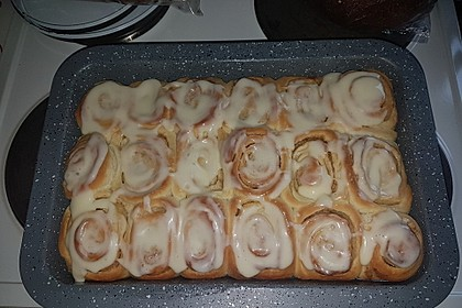 Cinnamon Rolls with Cream Cheese Frosting 1