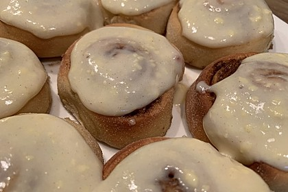 Cinnamon Rolls with Cream Cheese Frosting 89