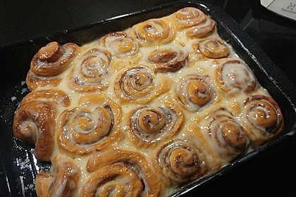 Cinnamon Rolls with Cream Cheese Frosting 2