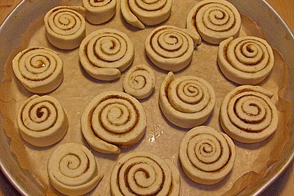 Cinnamon Rolls with Cream Cheese Frosting 191