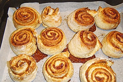 Cinnamon Rolls with Cream Cheese Frosting 226