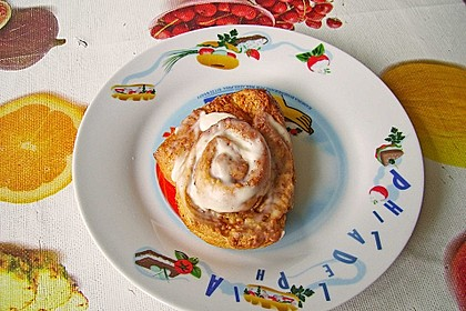 Cinnamon Rolls with Cream Cheese Frosting 209
