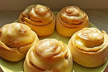 Cinnamon Rolls with Cream Cheese Frosting 47