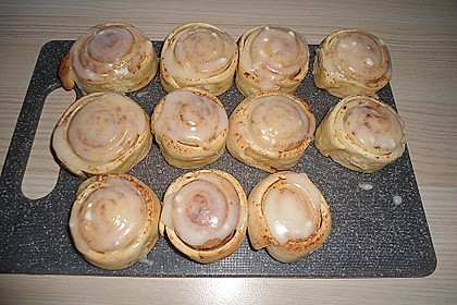 Cinnamon Rolls with Cream Cheese Frosting 68