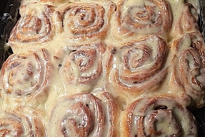 Cinnamon Rolls with Cream Cheese Frosting 210