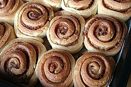 Cinnamon Rolls with Cream Cheese Frosting 43