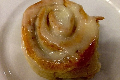 Cinnamon Rolls with Cream Cheese Frosting 193