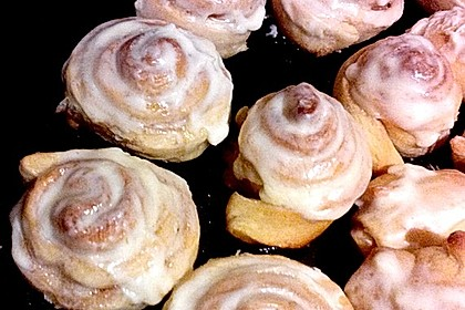 Cinnamon Rolls with Cream Cheese Frosting 82