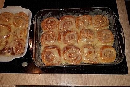 Cinnamon Rolls with Cream Cheese Frosting 74