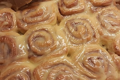 Cinnamon Rolls with Cream Cheese Frosting 78