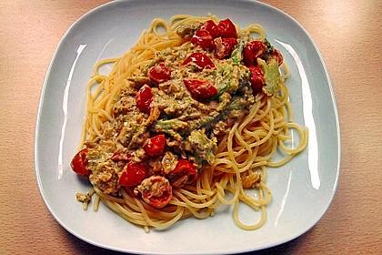 Spaghetti mit Brokkoli-Schafskäse-Sauce