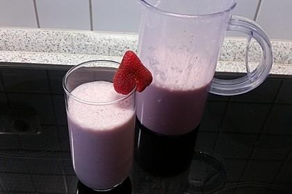 Erdbeer-Bananen-Milchshake mit Zimt 5