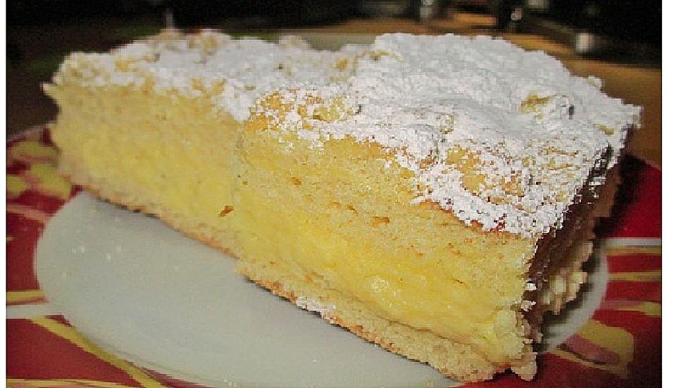 Hefe Streuselkuchen Mit Pudding Und Sahne Von Brisane Chefkoch De