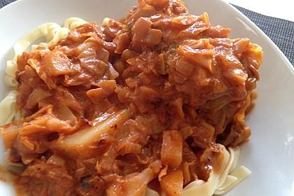 Spitzkohl-Rouladen in Tomatensauce 10