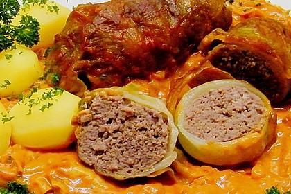 Spitzkohl-Rouladen in Tomatensauce 4