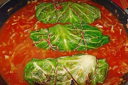 Spitzkohl-Rouladen in Tomatensauce 3