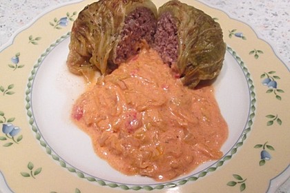 Spitzkohl-Rouladen in Tomatensauce 11