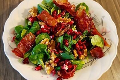 Weihnachtlicher Feldsalat mit Granatapfelkernen 1