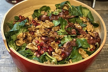 Weihnachtlicher Feldsalat mit Granatapfelkernen 10