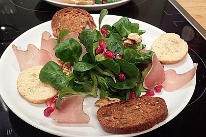 Weihnachtlicher Feldsalat mit Granatapfelkernen 4