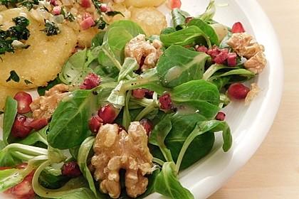 Weihnachtlicher Feldsalat mit Granatapfelkernen 7