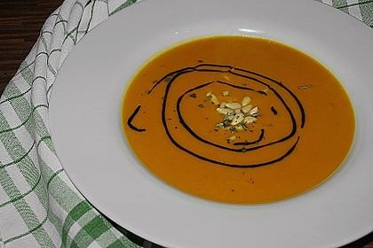 Kürbissuppe mit Garnelen