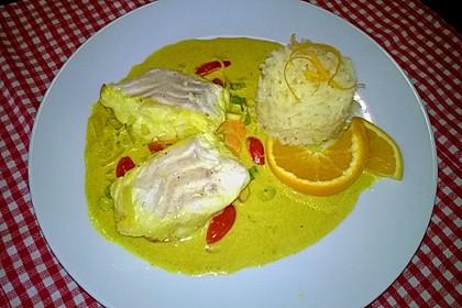 Fischfilet in Kurkuma-Senf-Sauce mit Orangenreis