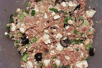 Gefüllte Zucchini mit Feta und Oliven 7