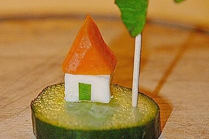 Gurkeninsel mit Haus und Palme 3