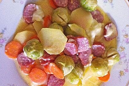 Kartoffel-Rosenkohl-Gratin mit Mettenden (Bild)