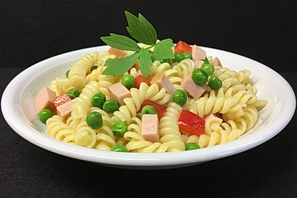 Nudel-Wurstsalat (Bild)