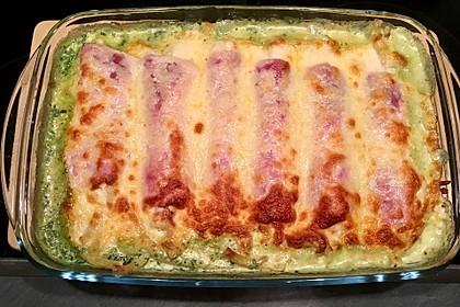 Spinatauflauf mit gefüllten Schinken-Käse Röllchen 6