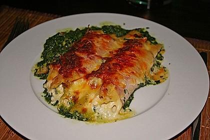 Spinatauflauf mit gefüllten Schinken-Käse Röllchen 1
