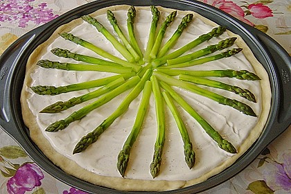 Spargelflammkuchen mit Serranoschinken 21