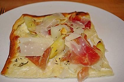 Spargelflammkuchen mit Serranoschinken 12