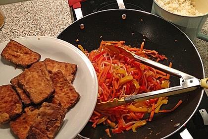Asiatische Tofu-Gemüse-Pfanne mit Ingwer und Honig 5