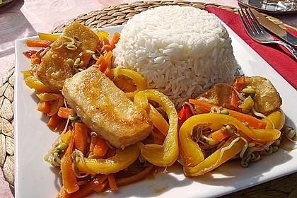 Asiatische Tofu-Gemüse-Pfanne mit Ingwer und Honig