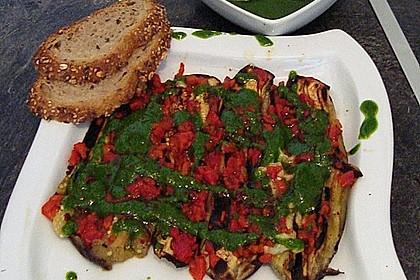 Aubergine-Paprika mit Petersilie-Knoblauch Soße