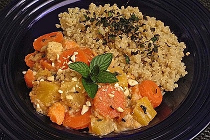 Süßkartoffel-Möhren Curry mit Tofu
